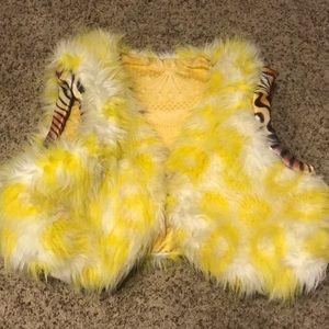 Crop top fuzzy vest!